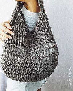 Что вязать летом? Часть1. Летняя вязаная сумка. Тренд 2018 года. 53 идеи.   Записки вязальщицы   Яндекс Дзен Perfect Gif, Most Beautiful Models, Diy Crafts Hacks, Macrame Bag, Crochet Handbags, Crochet Clothes, Lana, Knit Crochet, Tote Bag