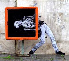 """by Levalet - """"Danse macabre"""" - Paris, France - 06.07.2014"""