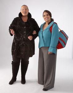 Petra in der Gehrockbluse Modell 601009 und Anna in der Jacke Modell 621305