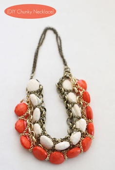 DIY-Chunky-Necklace; good way to use up old chains