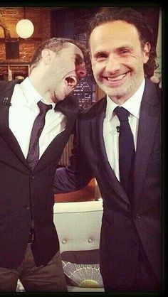 Chris Hardwick & Andrew Lincoln - The Talking Dead. Joking about the bite scene in the season finale.