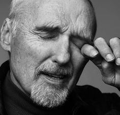 Image from http://www.thefashionspot.com/images/tfs2010/2011/December/Dennis-Hopper.jpg.