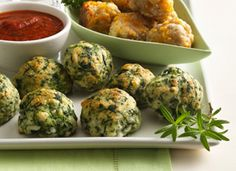 Spinach-Cheese Balls | Bisquick, spinach, mozzarella, egg, Italian seasoning, garlic salt... served with marinara. Sounds very easy and good.