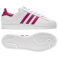 Still love shelltoes! With their good looks and off-the-charts comfort, these women's adidas Originals Superstar 2.0 shoes are ready to roll. The soft leather upper is finished with a classic rubber shell toe and a foot-friendly textile lining.