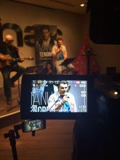 Manu Tenorio presentando 'DE TODO CORAZÓN' en Barcelona.