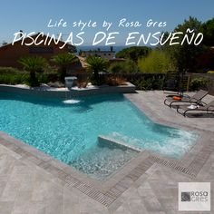 Piscina desbordante / Deck level pool / mistery blue stone collection, Rosa Gres.