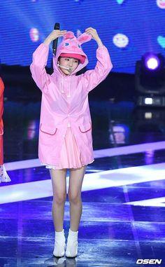 Seulgi, South Korean Girls, Korean Girl Groups, Red Velvet Photoshoot, Red Velvet Dress, Korean Music, Ulzzang Girl, Swagg, Irene