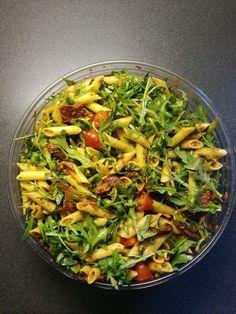 Eckis italienischer Nudelsalat mit Pesto, ein sehr schönes Rezept aus der Kategorie Studentenküche. Bewertungen: 484. Durchschnitt: Ø 4,7.