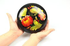 Great Vintage Jewelry Box 70s, Russian Folk Box, Round Hand painted Treasury Box Rustic style, Round Treasures box, Handmade Russian Lacquer Box Unique small jewelry box 70s folk art 7inch diameter. This beautiful Russian folk box is made Soviet Union 70s. Hand painted and laquered ,