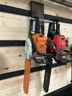Garage Shed, Garage Tools, Garage House, Garage Workshop, Storage Shed Organization, Diy Garage Storage, Shop Storage, Power Tool Storage, Garden Tool Storage