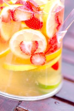 Smoothie Drinks, Smoothies, Vit Sangria, Peach, Candy, Inspiration, Food, Lchf, Drama