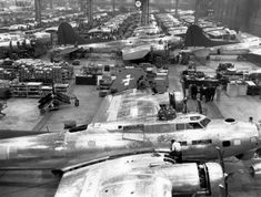 Boeing B-17 Flying Fortress assembly during World War II at Plant 2, just south of downtown Seattle. (Photo: The Boeing Company / SL)
