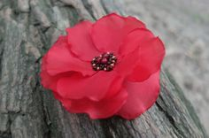 Bright red hair band & brooch created on the metal base. Decorated with handmade poppy red flower. Beautiful floral Summer brooch! Elegant accesories for dresses. Ethno style. Ready to ship! ***Sale*** Listing is for one Red Poppy Flower Hair Clip & Brooch. ***Details: -Bright Poppy