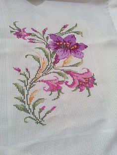 This Pin was discovered by Yas Cross Stitch Letters, Cross Stitch Heart, Cross Stitch Borders, Cross Stitch Flowers, Cross Stitch Designs, Cross Stitching, Diy Embroidery, Cross Stitch Embroidery, Embroidery Patterns