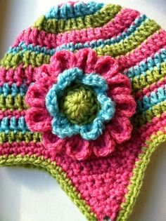 #Dahlia #Flower, free pattern #crochet LOVE the multi-color combo!