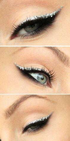 Gorgeous black and glitter eyeliner.