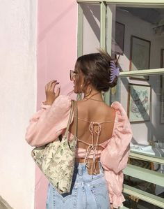 Follow our guide to learn how to develop your personal style. #fashiontips Aesthetic Fashion, Look Fashion, Aesthetic Clothes, Fashion Outfits, Film Fashion, Feminine Fashion, Fashion Killa, Hijab Fashion, Korean Fashion