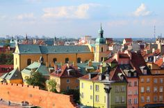 At the centre of the partially walled Old Town (Stare Miasto), the Old Town Square is, for those with an eye for historic buildings, the loveliest square in War…