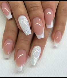 Cute twist on french tip nails #frecnch #nails #silverglitternails