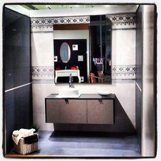 Δημιουργίες των εκθέσεων μας στην Ανθούσα, Πειραιά και Χαϊδάρι. Μπάνιο Ανθούσας. Μάθετε περισσότερα στο www.kypriotis.gr - #kypriotis #kipriotis #plakakia #plakidia #anakainisi #athens #ellada #greece #hellas #banio #dapedo Double Vanity, Bathroom, Washroom, Full Bath, Bath, Bathrooms, Double Sink Vanity