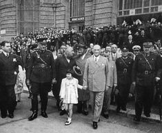 Republic Of Turkey, The Turk, Vince Lombardi, Child Day, Great Leaders, Ulsan, Historical Pictures, People Photography, Black And White Photography