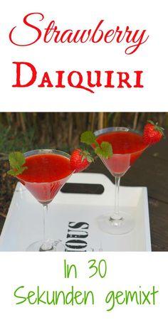 Ein Strawberry Daiquiri schmeckt nicht nur im Sommer, sondern eigentlich das ganze Jahr. Man kann diesen mit TK-Erdbeeren machen, aber am besten schmeckt dieser natürlich mit sonnengereiften Erdbeeren. Im Mixer oder im Thermomix ist der Cocktail in 30 Sekunden fertig.