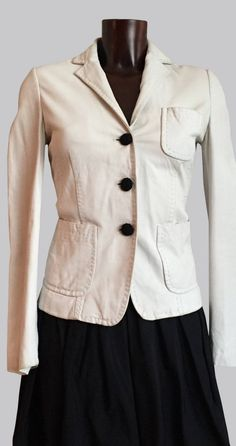 FABULOUS PIECE by none other than BOSS #HUGO BOSS Stretchy Leather BLAZER Small#LUXURIOUSLY SOFT WHITE SKIN #SPECTACULARLY well-made, with divine craftsmanship and the utmost attention to detail! It also happens to be in GOOD, preowned condition! #MATERIAL: 100% BUTTER SOFT LEATHER! Leather Blazer, Hugo Boss, Soft Leather, Nice Dresses, Dressing, Butter, Detail, Shopping, Clothes