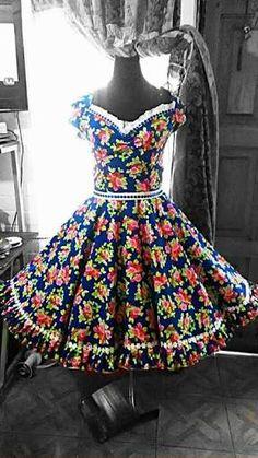 Resultado de imagem para vestido avental de sao joao longo adulto 50s Dresses, Dance Dresses, Vintage Dresses, Fashion Dresses, Girls Dresses, Summer Dresses, Dance Costumes, Custom Clothes, Baby Dress