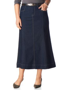 Gored Denim Skirt - Christopher & Banks I absolutely love this skirt! Demin Skirt Outfit, Skirt Outfits, Denim Skirt, Modesty Fashion, Fashion Outfits, Amo Jeans, Short Girl Fashion, Plus Size Fashionista, Dress Attire