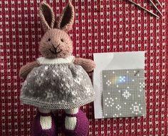 Ravelry: suzymarie's First Flurries Dress Crochet Animals, Knitted Stuffed Animals, Crochet Toys, Knit Crochet, Knitted Dolls, Knitted Bunnies, Little Cotton Rabbits, Crochet Patterns, Doll Patterns