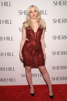 Dove Cameron Photos - Dove Cameron attends the Sherri Hill NYFW Fall 2017 Runway Show at Gotham Hall on February 2017 in New York City. - Sherri Hill - Arrivals - February 2017 - New York Fashion Week Fashion 2017, New York Fashion, Fashion Show, Girl Fashion, Celebrity Beauty, Celebrity Style, Celebrity Guys, Dove Cameron Style, Dove Pictures