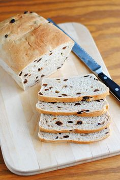 Let your bread machine do the work & have homemade cinnamon raisin bread in a few easy steps! Bread Maker Recipes, Banana Bread Recipes, Healthy Snacks For Diabetics, Healthy Foods To Eat, Hot Rods, Best Bread Machine, Cinnamon Raisin Bread, Tea Eggs, Healthy Food Delivery