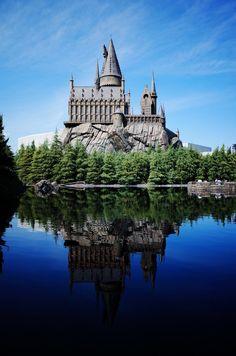 Harry Potter Script, Harry Potter Places, Mundo Harry Potter, Harry Potter Aesthetic, Harry Potter Movies, Harry Potter Hogwarts, Castle Pictures, Harry Potter Pictures, Slytherin