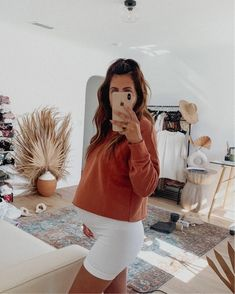 Shop Your Screenshots™ with LIKEtoKNOW.it, a shopping discovery app that allows you to instantly shop your favorite influencer pics across social media and the mobile web. Casual Maternity Outfits, Stylish Maternity, Maternity Wear, Maternity Fashion, Casual Outfits, Maternity Shorts, Cute Pregnancy Outfits, Maternity Styles, Summer Shorts Outfits