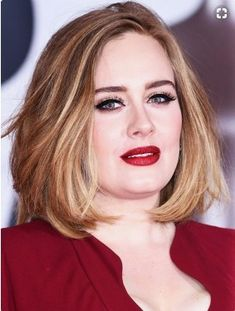 From bouffant hair to that eyeliner: How Adele evolved her look Chubby Face Haircuts, Hairstyle For Chubby Face, Round Face Haircuts, Bob Haircuts, Blonde Haircuts, Double Chin Hairstyles, Hairstyles For Fat Faces, Cute Hairstyles For Short Hair, Adele Hairstyles