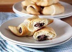 Pillsbury crescent rolls stuffed with chocolate hazelnut spread. Two-ingredient BLISS. 8 crescent rolls
