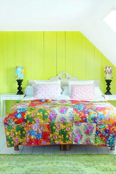Keltainen talo rannalla: Huone ja aamiainen