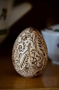 Mehendi Easter Egg - Wooden Pyrography Home Decor, Holyday Decor  http://www.etsy.com/shop/PocketsOfArt?ref=seller_info