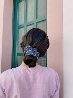 Signature Look, Scrunchies, Hair Makeup, Fashion Accessories, Hair Styles, Up Dos, Make Up Hair, Hairstyle Ideas, Bandeaus