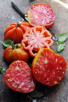 Grow A Garden Green - Heirloom Tomatoes | Dorian Nieto
