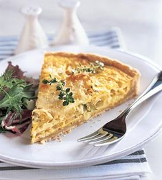 Yellow Squash and Mozzarella Quiche with Fresh Thyme Recipe: Bon Appétit Quiches, Vegetarian Recipes, Cooking Recipes, Freezer Recipes, Healthy Recipes, Healthy Meals, Yummy Recipes, Healthy Eating, Thyme Recipes