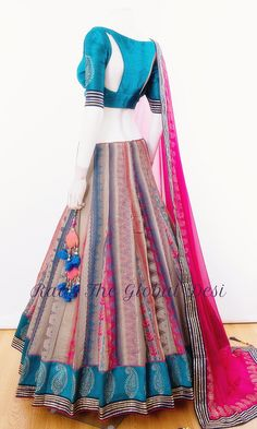 Indian Fashion Dresses, Party Wear Indian Dresses, Designer Party Wear Dresses, Indian Bridal Outfits, Indian Gowns Dresses, Dress Indian Style, Indian Designer Outfits, Half Saree Designs, Choli Designs