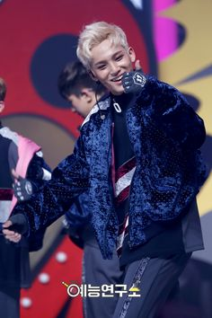 161210 Mingyu Seventeen, Pledis 17, Kpop Groups, Beautiful Boys, Hip Hop, Music, Cute, Cute Boys, Musica