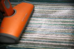 How to Deodorize Carpet With Baking Soda