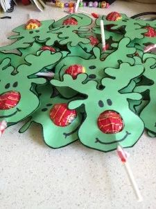 Cute! Reindeer face lollypops.  -Repinned by Totetude.com