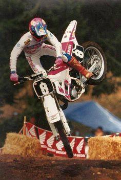 Damon Bradshaw, this was the guy that got me to wear hot pink. Yamaha Motocross, Motocross Racer, Dirt Bike Racing, Off Road Racing, Vintage Bikes, Vintage Motorcycles, 2 Stroke Dirt Bike, Side Car, Mx Bikes