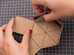 DIY instructions: Make your own hexagon shape for concrete flower pot via DaWand. Concrete Pots, Concrete Crafts, Concrete Projects, Concrete Design, Diy Projects, Cement Art, Creation Deco, Hexagon Shape, Mold Making