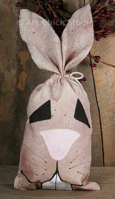 Art Chick Studio: Grungy Bunny Bag