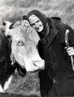 Hannah Hauxwell, Yorkshire hill farmer and star of Too Long a Winter – obituary Yorkshire England, Yorkshire Dales, North Yorkshire, Cow Names, Wales, Reality Tv Stars, True Grit, Book People, People Of Interest