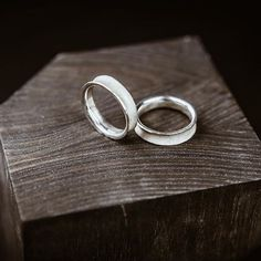 """серебряное кольцо #унисекс форма которого """"вывернута наизнанку"""" , внутри полировано, снаружи имеет необработанную фактуру которая осталась не тронутой после отлива, такое кольцо в течении своей жизни будет меняться с каждым годом и становиться индивидуальнее #ROCK_FOREST"""